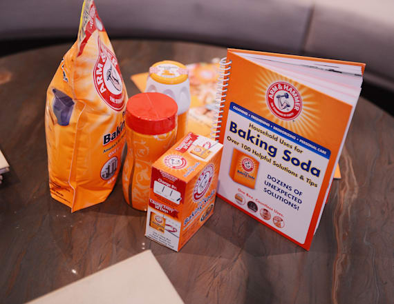 What's the difference between baking soda, powder?