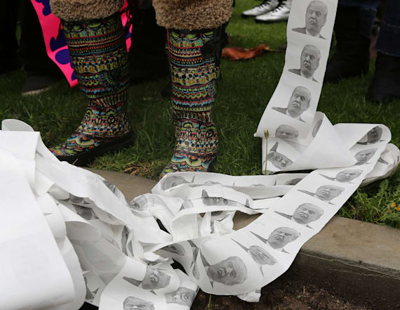 Resistance group sends Trump notes on toilet paper