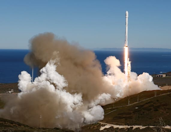 SpaceX fans capture launch from unique vantage point