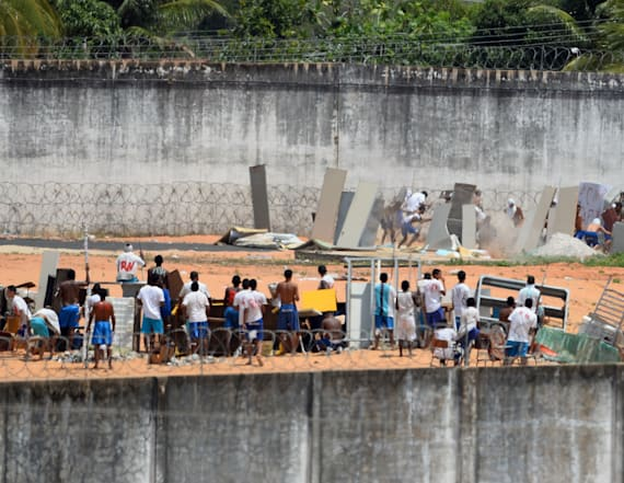 Brazil prisoners clash with police following deaths