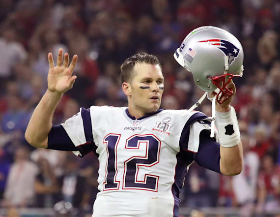 Brady makes funny 'suspect board' for missing jersey