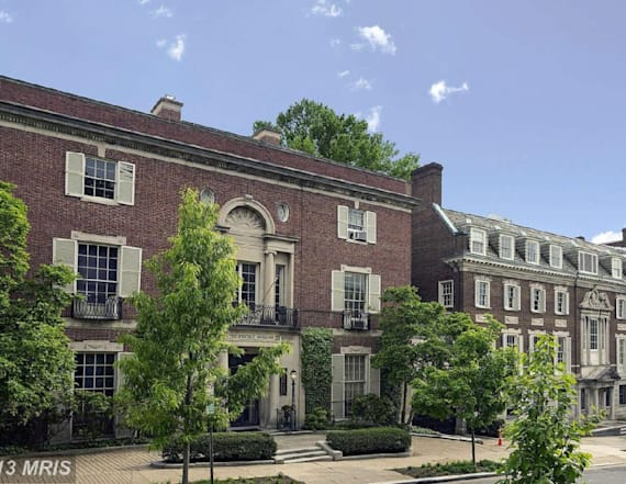 Jeff Bezos buys $23 million D.C. mansion in cash