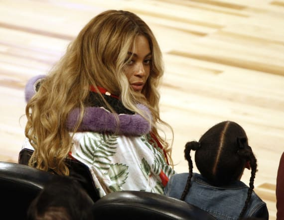 Everyone's talking about Beyonce's courtside outfit