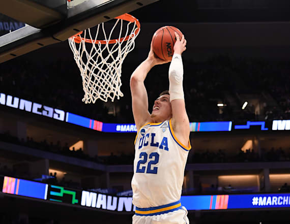 Third-seeded UCLA races past Cincinnati