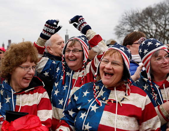 Trump supporters show spirit on Inauguration Day