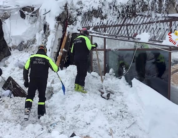 8 people rescued from Italian hotel hit by avalanche