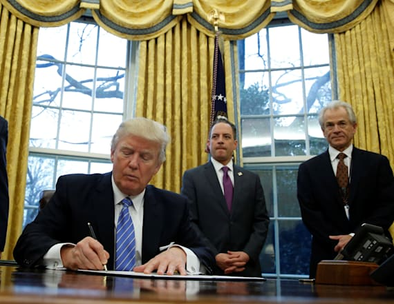 Trump signs order to freeze federal hiring