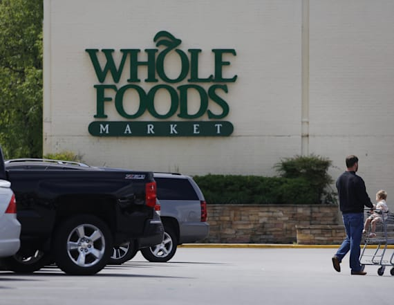 Report: Grocery chain mulls Whole Foods takeover