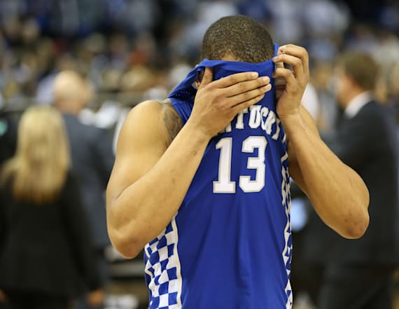 Video captures Kentucky fans' heartbreak after loss