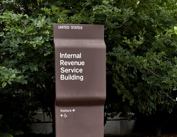 IRS warns tax refund delay for low-income Americans