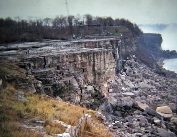 Engineers once shut down Niagara Falls' water flow