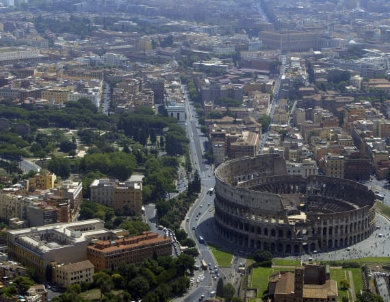 Earthquake of magnitude 5.4 hits northeast of Rome