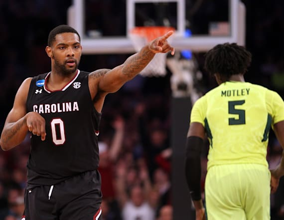 South Carolina blows out Baylor to reach Elite Eight