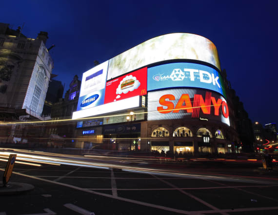 London Piccadilly lights switched off for 9 months