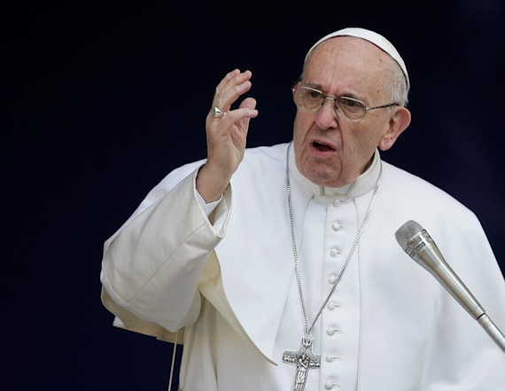 Pope decries 'populist rhetoric'