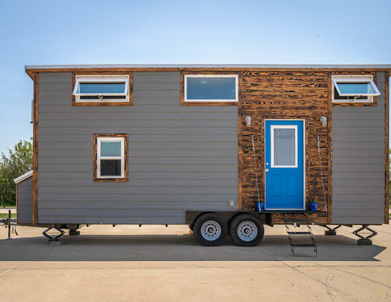 Tiny house boasts walk-in closet and home office