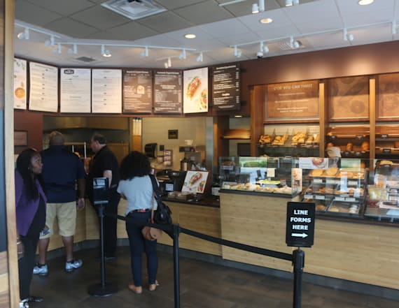 One fast-casual chain is hiring 10,000 workers