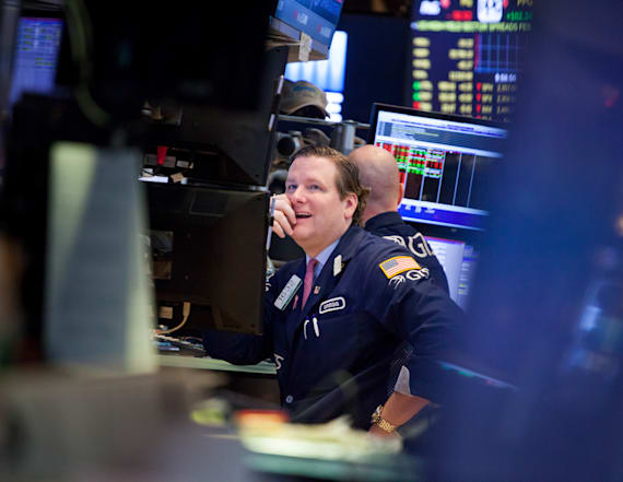 Dow touches new high for 11th day in a row