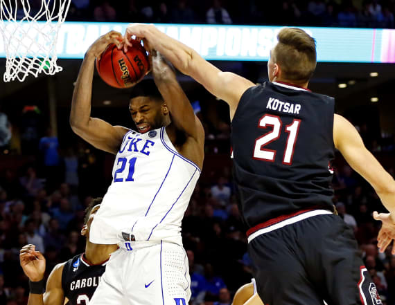 South Carolina stuns No. 2 seed Duke