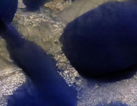 NASA shares image of unusual martian sand dunes