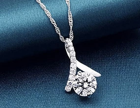 Get 74% off an elegant 18K white gold necklace
