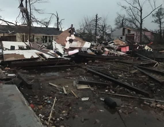 4 killed, others trapped after tornado hits Miss.