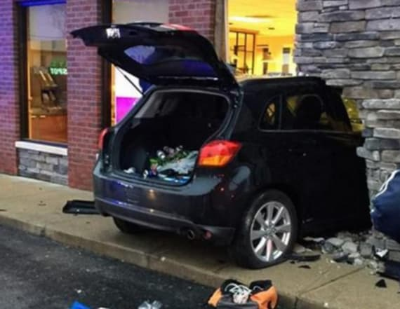 Driver falls asleep, slams car into Wendy's