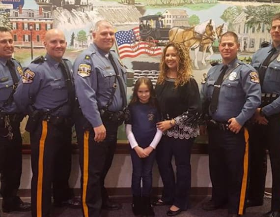 Daughter of slain cop treats another cop to dinner