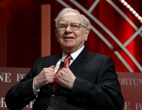 Warren Buffett hints at Trump in annual letter