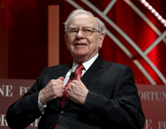 Warren Buffett hints at Trump in annual letter