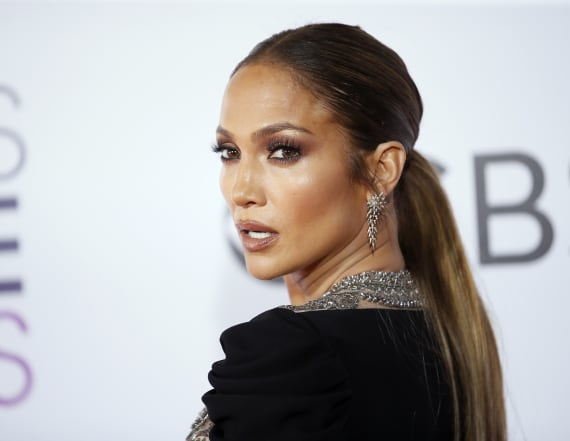Item in Jennifer Lopez's hair has everyone talking