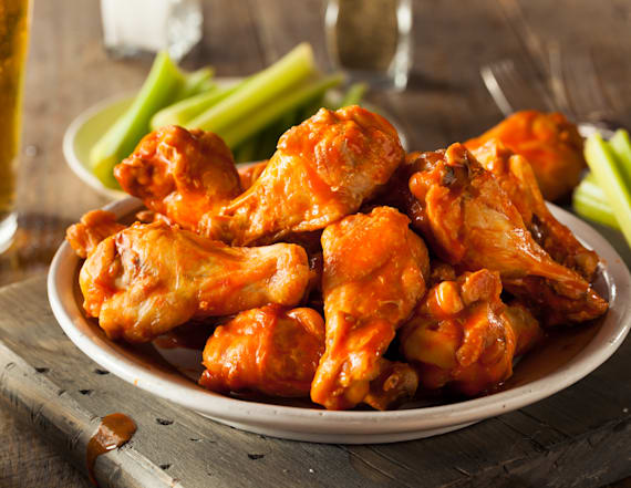 Lifestyle expert reveals proper way to eat wings