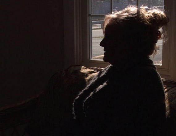 Online scammer tricks elderly women