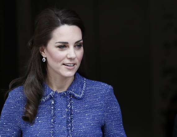 Duchess tricks everyone with 'familiar' tweed outfit