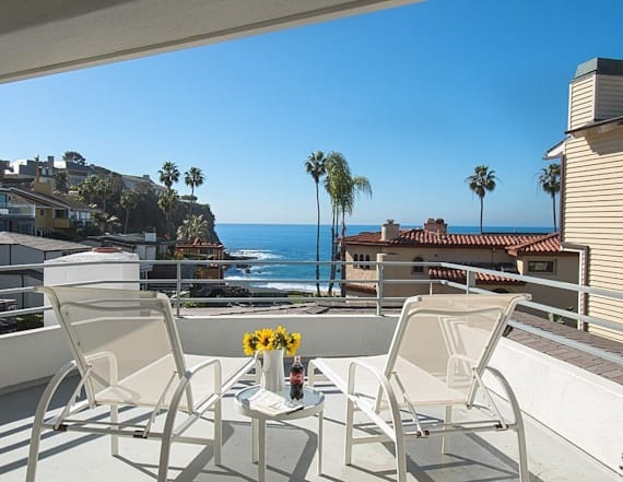 Buffett's $11M Laguna Beach home hits the market