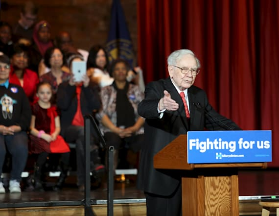 Warren Buffett: US will do 'fine under Donald Trump'