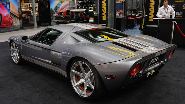 chip foose tastefully enhances his personal ford gt. Black Bedroom Furniture Sets. Home Design Ideas