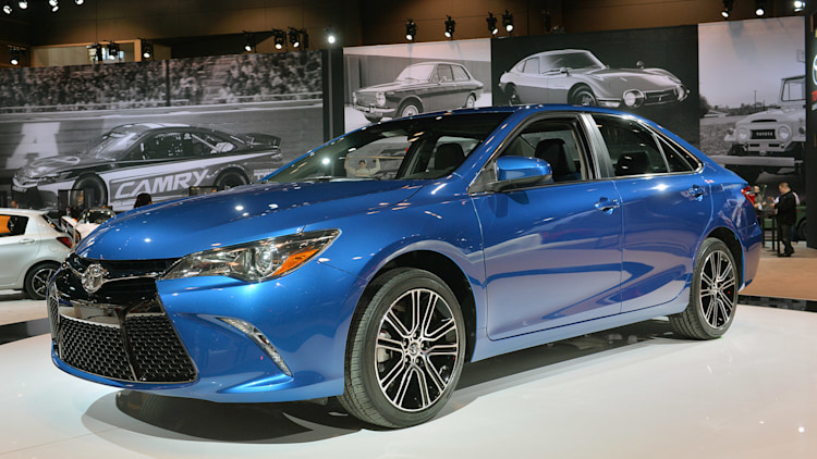 2016 toyota camry and corolla special editions hit the floor. Black Bedroom Furniture Sets. Home Design Ideas