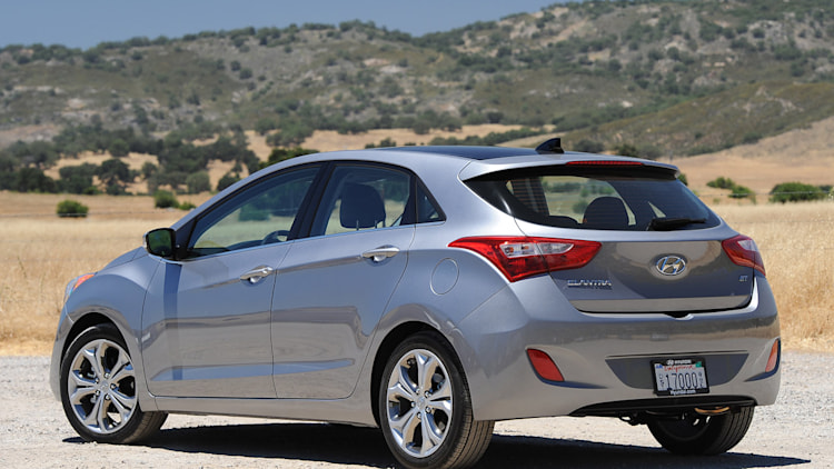 2013 hyundai elantra gt first drive photo gallery autoblog. Black Bedroom Furniture Sets. Home Design Ideas