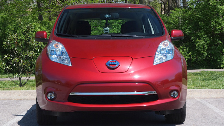 nissan leaf battery replacement will cost 100 month offers new pack at any time. Black Bedroom Furniture Sets. Home Design Ideas