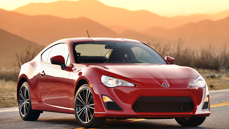 2014 scion fr s gets price increase knee cushions w video. Black Bedroom Furniture Sets. Home Design Ideas