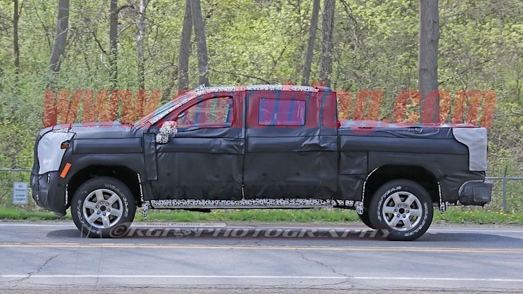 2019 Chevrolet Silverado: Spy Shots Photo Gallery - Autoblog