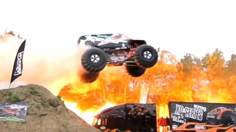 watch the bad habit monster truck jump a record 237 feet autoblog. Black Bedroom Furniture Sets. Home Design Ideas