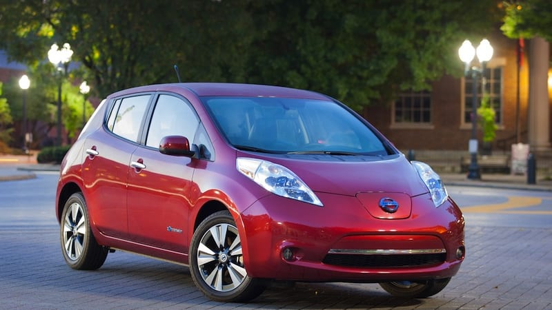 Nissan happy with plug-in vehicles for now, will wait on hydrogen
