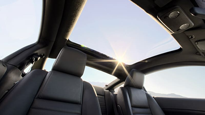 ford helps buyers see the light with glass roof option for mustang autoblog. Black Bedroom Furniture Sets. Home Design Ideas