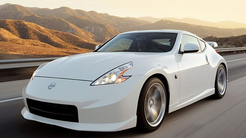 first drive 2010 nissan 370z nismo simply rocks autoblog. Black Bedroom Furniture Sets. Home Design Ideas