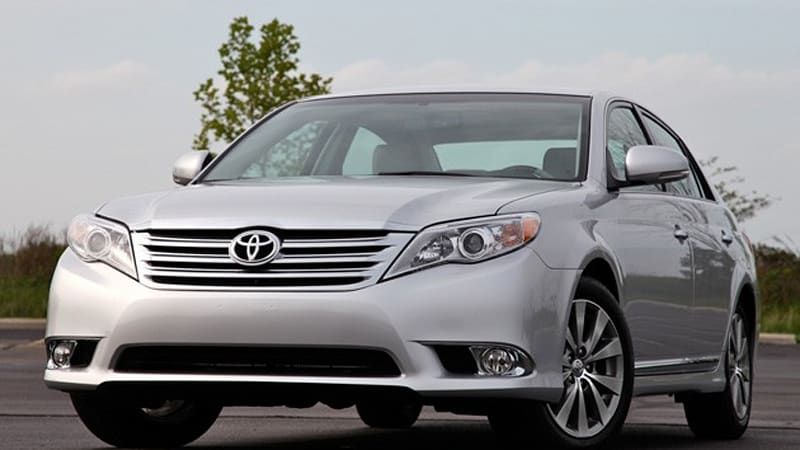 review 2011 toyota avalon autoblog. Black Bedroom Furniture Sets. Home Design Ideas