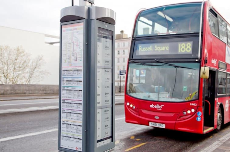 London Adopts E Paper Signs For Real Time Bus Schedules