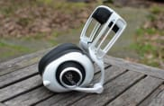 jaybird launches bluebuds x in ear bluetooth headphones. Black Bedroom Furniture Sets. Home Design Ideas