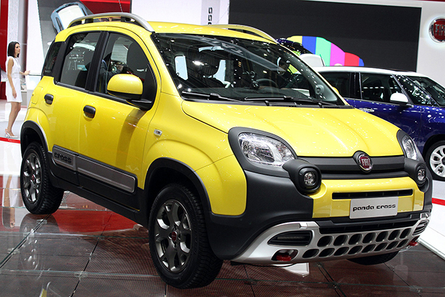 fiat panda cross is a tiny off roader for city and country. Black Bedroom Furniture Sets. Home Design Ideas